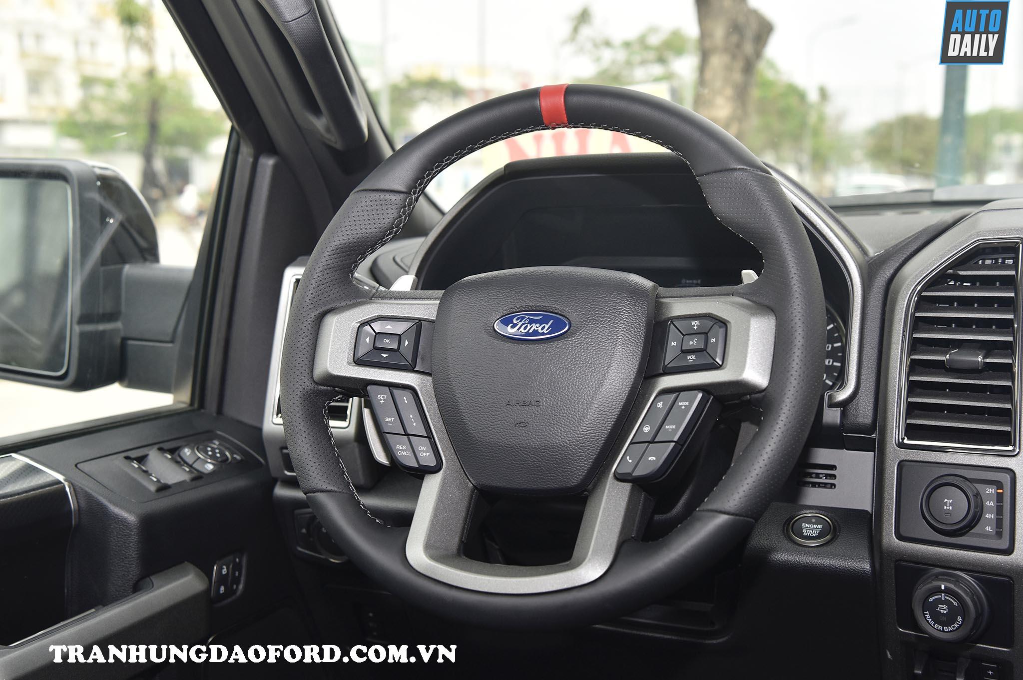 Nội thất Ford Ranger Raptor 2020