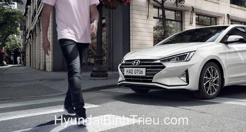 Danh Gia Xe Hyundai Elantra 2020 Den Pha