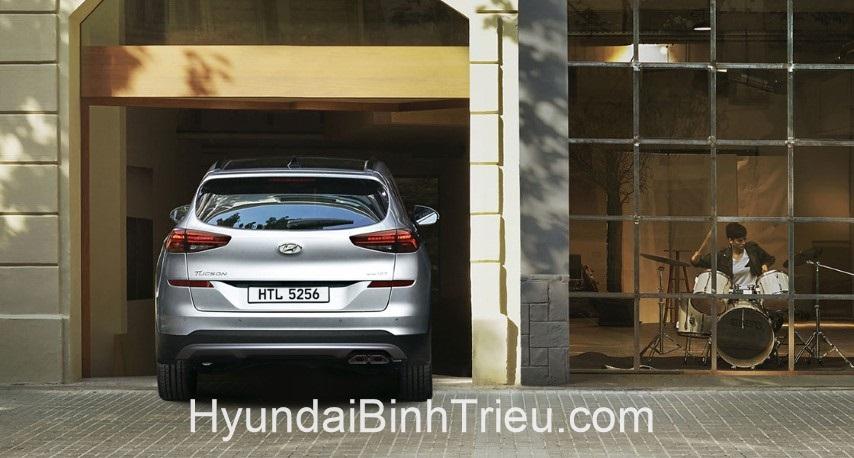 Danh Gia Xe Hyundai Tucson 2020 Duoi Xe