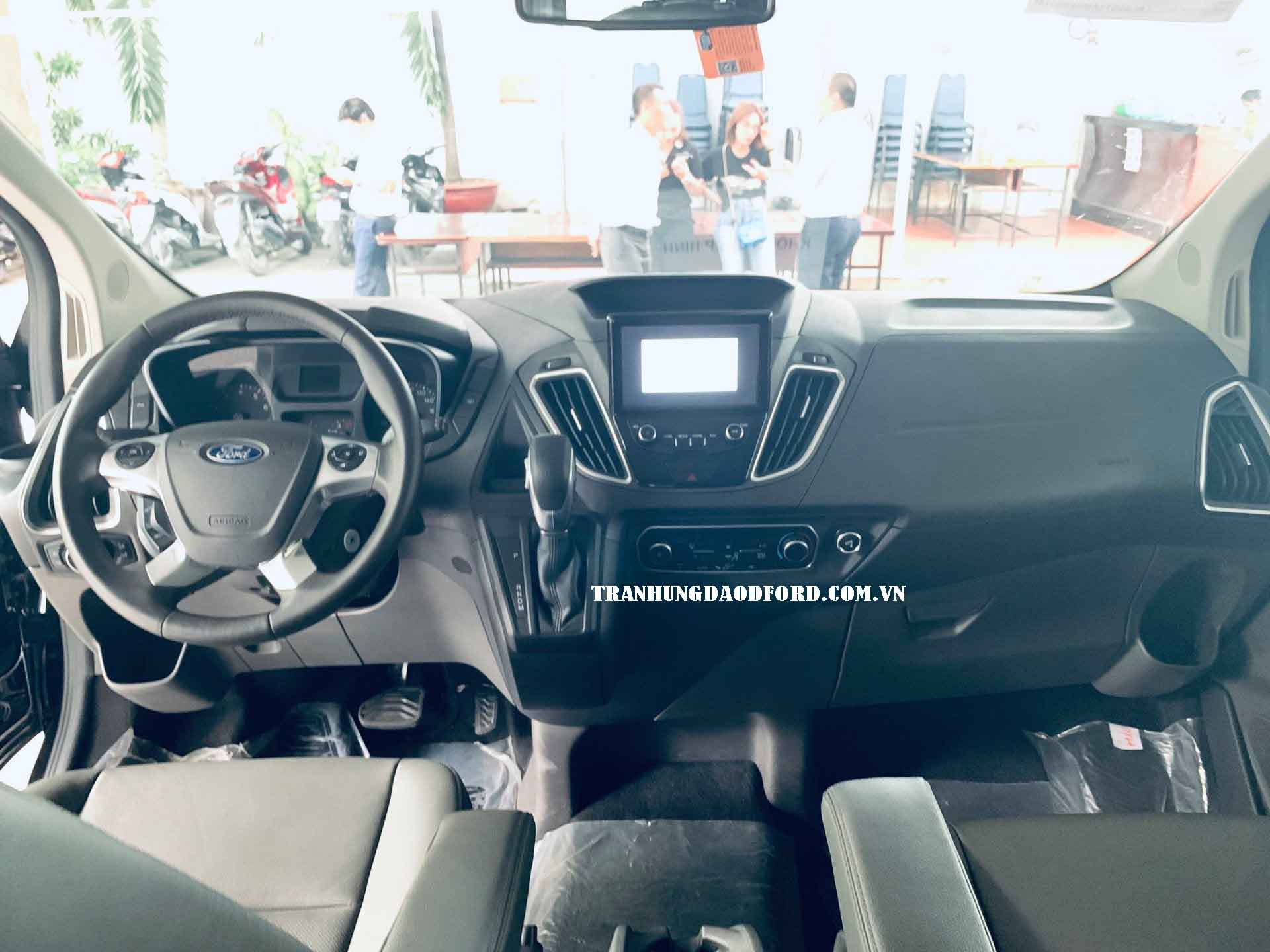 Nội thất ford tourneo 2020