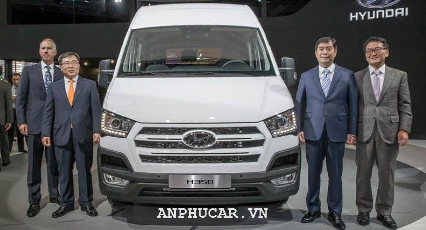 Gia lan banh Hyundai Solati 2020