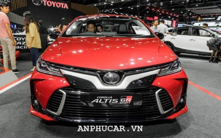 Toyota Corolla Altis 1.8 GR Sport van hanh