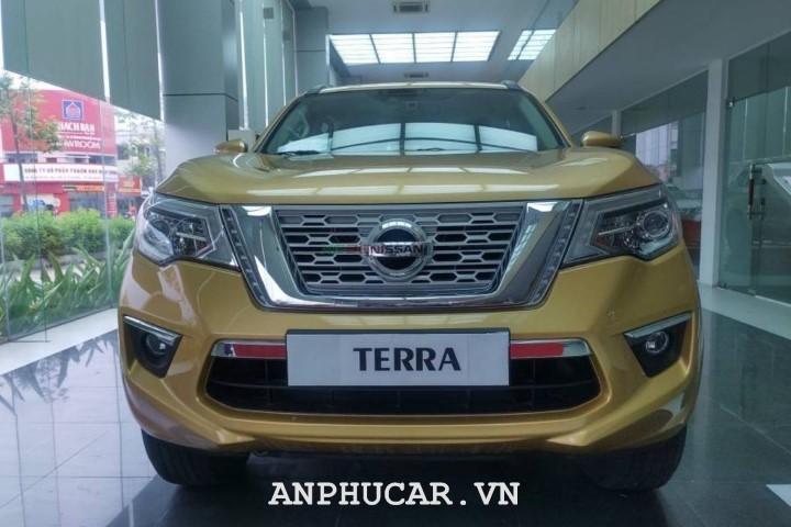 Nissan TERRA 2.5L V 4WD 7AT 2020 van hanh manh me