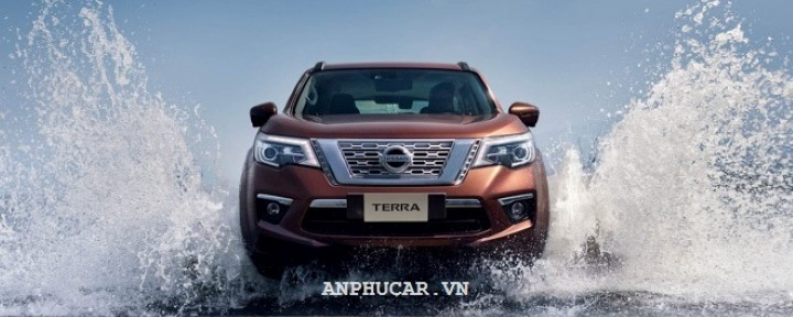 Nissan TERRA 2.5L E 2WD 7AT 2020