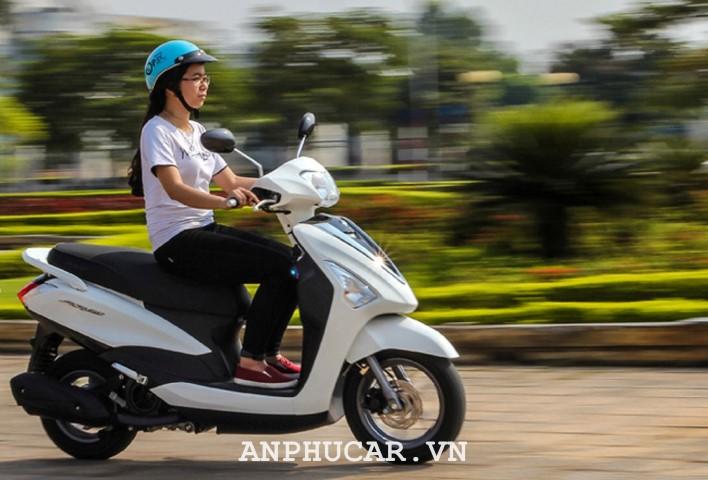 Danh gia Yamaha Acruzo 2020