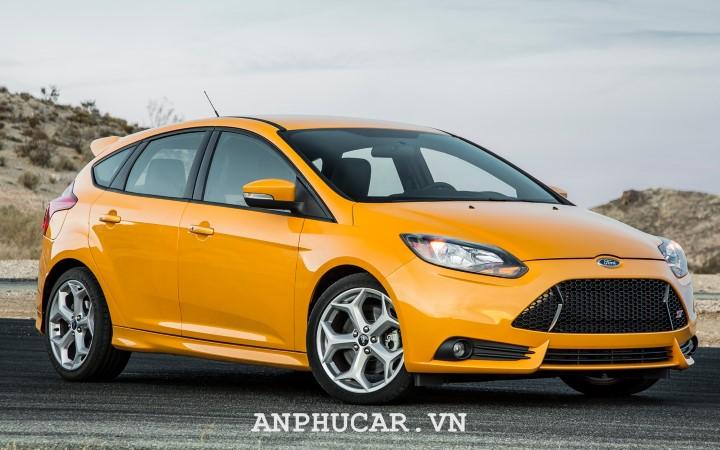 Xe Ford Focus cu gia bao nhieu