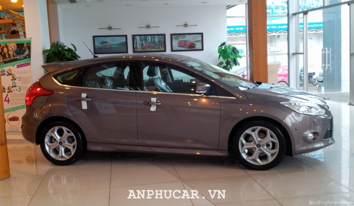 Xe Ford Focus cu