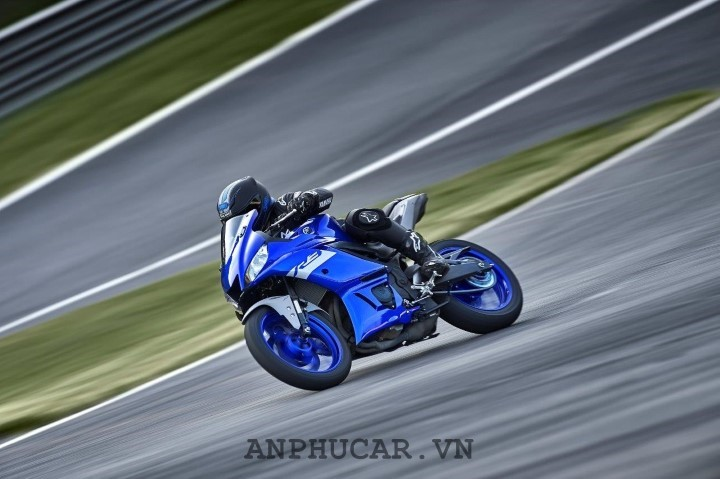 Yamaha R3 2020 gia bao nhieu